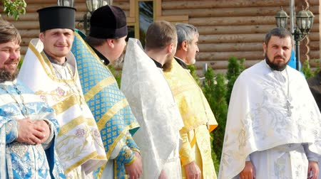 CHERKASY REGION, UKRAINE, OCTOBER 10, 2019: priests meet His Beatitude Metropolitan Epiphany. Preparation for consecration of newly built Church of the Blessed Virgin Assumption Vídeos
