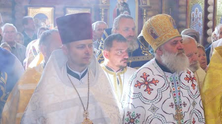 bem aventurança : CHERKASY REGION, UKRAINE, OCTOBER 10, 2019: church ceremony. the rite of consecration of newly built Church of the Blessed Virgin Mary Assumption by Metropolitan Epiphany, the head of the united local Ukrainian Orthodox Church Stock Footage