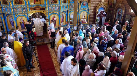 обряд : CHERKASY REGION, UKRAINE, OCTOBER 10, 2019: church ceremony. the consecration rite of newly built Church by Metropolitan Epiphany, head of united local Ukrainian Orthodox Church