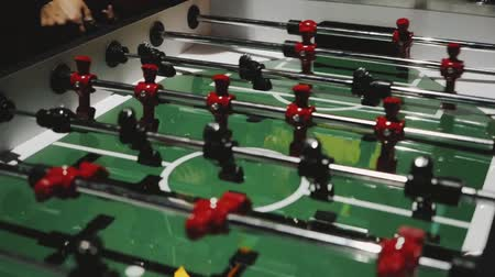 вратарь : Table soccer. Foosball. Стоковые видеозаписи