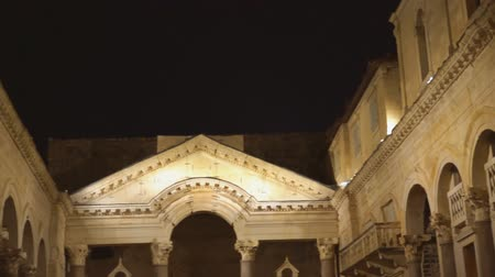 torre sineira : Night view of Cathedral of Saint Dominius in Split, Croatia.