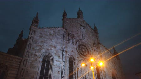 Roman Catholic cathedral of the city of Como at night. Stock Footage
