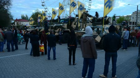 silahlar : BERDYANSK, UKRAINE - MAY 5, 2016: Public city exhibition of military equipment, weapon and celebration of 2-year anniversary of creation of the regiment Azov on May 5, 2016 in Berdyansk.
