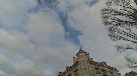 световой люк : The sky and clouds, shooting in the city