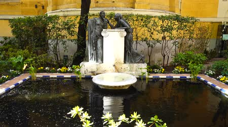 impresjonizm : MADRID, SPAIN - MARCH 27, 2018: The fountain in the yard of the house-museum of Sorolla. The house has been built in 1909 - 1910.