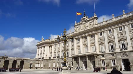 infantaria : MADRID, SPAIN - APRIL 04, 2018: The ceremony of the Solemn Changing of the Guard at the Royal Palace of Madrid. That is famous event was performed on the first Wednesday of each month.