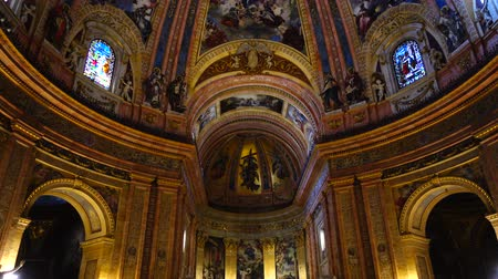 grande : MADRID, SPAIN - MARCH 27, 2018: The Royal Basilica of San Francisco el Grande. The royal cathedral is constructed in the neoclassical style, in the second half of the XVIII century.