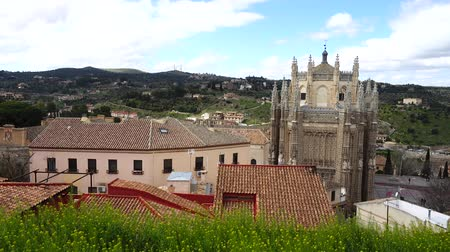 telha : The Monastery of San Juan de los Reyes in Toledo, Spain. Stock Footage