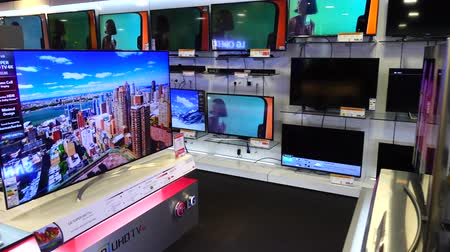 corte : MADRID, SPAIN - MARCH 27, 2018: LCD TVs in the supermarket of shopping center El Corte Ingl