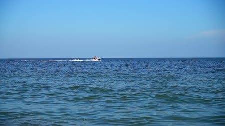 impressões : The personal watercraft in the sea. Slow motion.