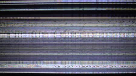 sinais : Bad television signal. Breakage of the monitor.