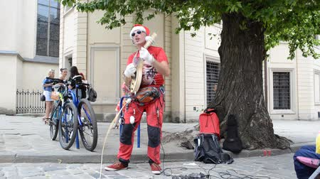 klauzule : LVIV, UKRAINE - JILY 5, 2014: Santa Claus in Lviv. Lviv is a national and cultural center.