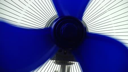 compressor : Shooting fan blades. Fan operation.