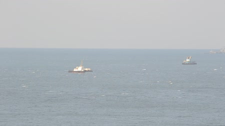 해적 : ship at sea