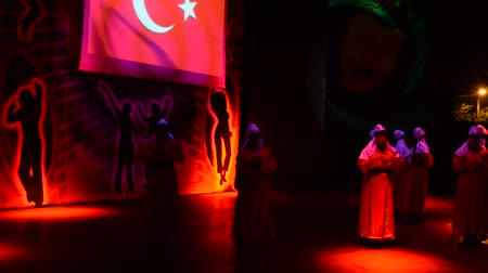 mesquita : BELDIBI, TURKEY - JUNE 11: Performers of the Turkish Night show at the Turkiz Resort & Spa on June 11, 2012 in Beldibi, Turkey.