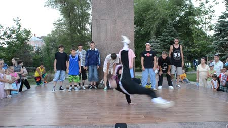 hiphop : BERDYANSK, UKRAINE - JULY 18: Unknown dancers on July 18, 2014 in Berdyansk, Ukraine Stock Footage