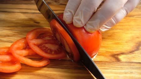 domates : Cook on the cutting board Stok Video