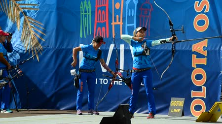 tiro com arco : LVIV, UKRAINE - SEPTEMBER 09, 2019: Participants fifty-sixth International archery competitions Golden autumn 2019.