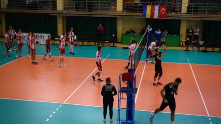 pontão : LVIV, UKRAINE - OCTOBER 04, 2019: Participants of Tournament Open Cup of Lviv on volleyball.