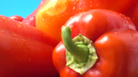 pimiento morron : Sweet red pepper. Shooting in the movement. Archivo de Video