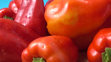 peper : Sweet red pepper. Shooting in the movement. Stock Footage