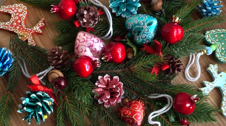 особенности : Tree branches and tree toys. New Years background. Стоковые видеозаписи