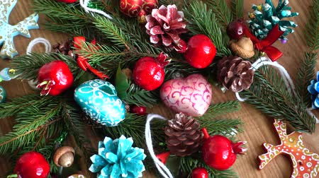 atributo : Tree branches and tree toys. New Years background. Stock Footage
