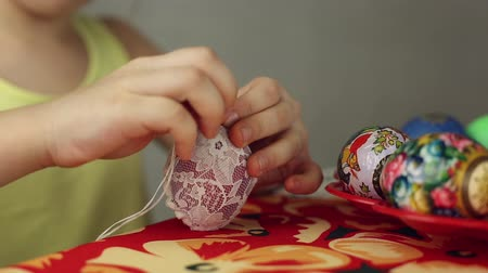 koronka : Preparation of Easter eggs, the feast of the passover, decorating Easter eggs lacy cloth