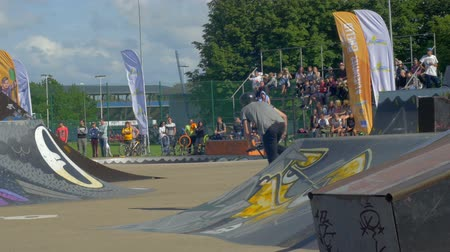 avançar : LATVIA, VENTSPILS, JULY 29, 2017: Skateboarding Show Ghetto Games. Ghetto games is biggest in Baltic countries sport summer x games festival in Ventspils,Latvia.