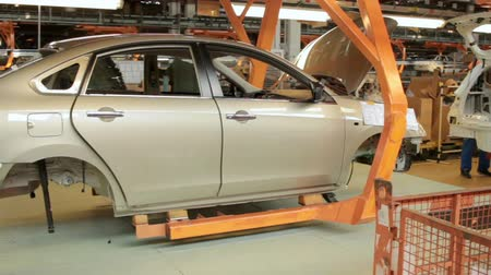 montaj : Assembly process of new cars