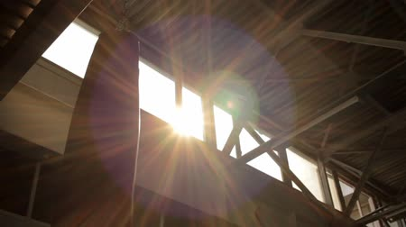 Sun shining high under ceiling Stok Video
