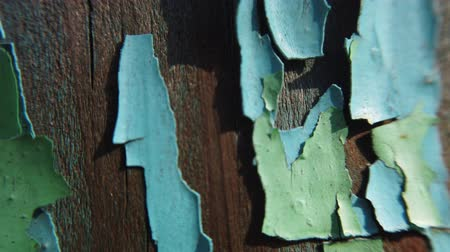 rozsdásodás : Vintage wood background with peeling paint