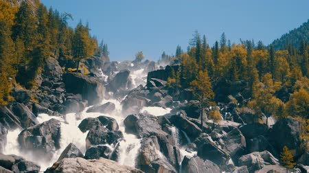 altay : Waterfall uchar in altay mountains Stok Video