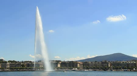 švýcarský : Geneva water fountain (Jet deau), Switzerland. Find similar clips in our portfolio.