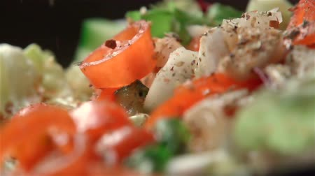 ocet : Slow motion of salad. Find similar in our portfolio. Wideo