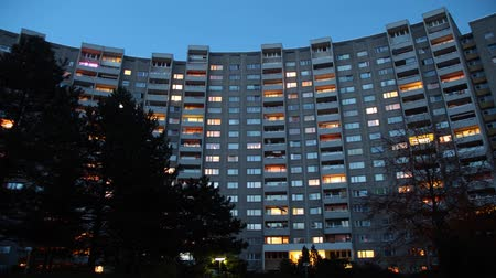 wohnung : Metropolitan Tower block Videos