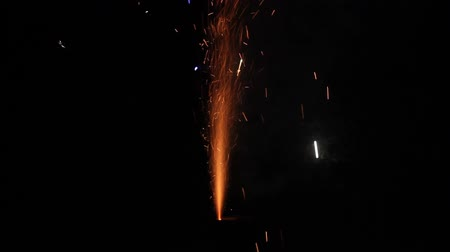 çatırtı : fireworks volcano in action