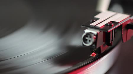 fidelity : the tonearm of a record player is going down to a record Stock Footage