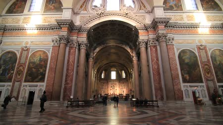 церковь : Church in Rome interior Стоковые видеозаписи