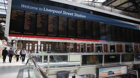 underground : London, July 11, 2014: Liverpool Street Station - train Stock Footage