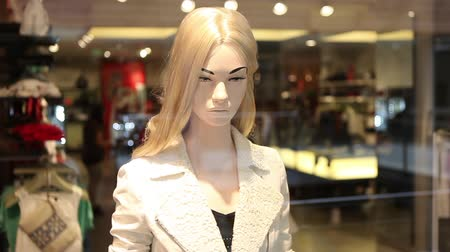 schaufensterpuppe : Female dummy in-Shop-Display