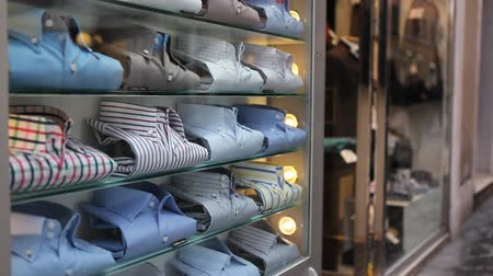 butik : Male shirts on store display