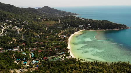 idílico : Blue sea near beaches of tropical island. Breathtaking drone view of calm blue sea near tourist beaches of tropical exotic paradise Ko Phangan Island. Thailand