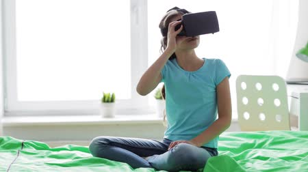 realidade : happy girl in vr headset or 3d glasses at home