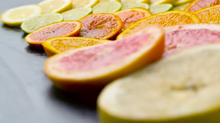 grejpfrut : close up of grapefruit, orange, lemon and lime Wideo