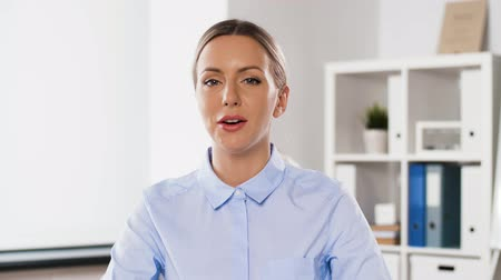 webinar : businesswoman having video conference at office Stock Footage