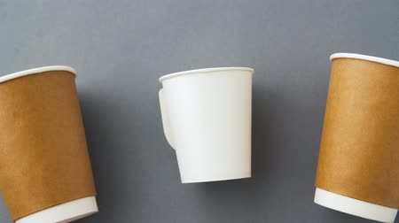 biodegradable : various disposable paper cups for hot drinks