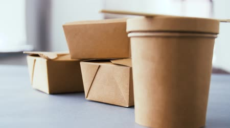 consumo : disposable paper containers for takeaway food
