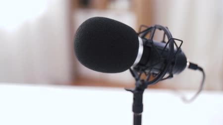 zátiší : close up of microphone at recording studio