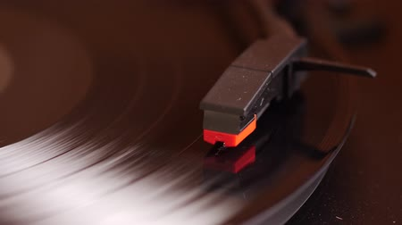 rpm : Record player playing in slowmo